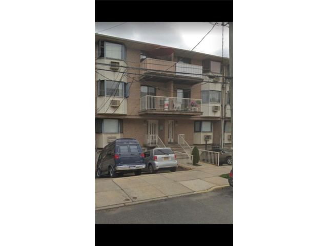 3 BR,  3.00 BTH  Condominium style home in Georgetown