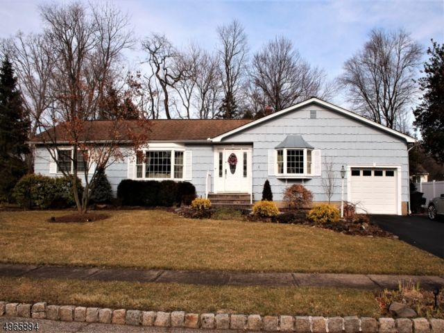 3 BR,  2.00 BTH  Ranch style home in Fairfield