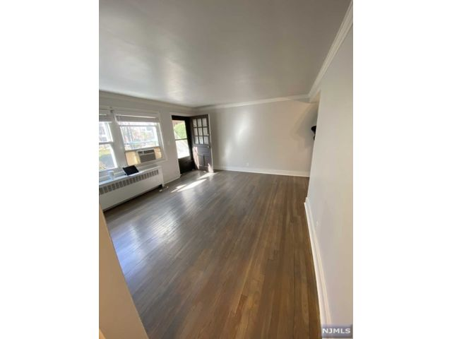 1 BR,  1.00 BTH Row style home in Fort Lee