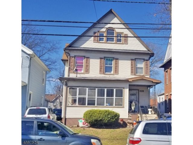 4 BR,  1.50 BTH  Colonial style home in Plainfield