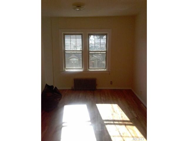 2 BR,  1.00 BTH Apartment style home in Kew Garden Hills