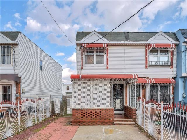 2 BR,  2.00 BTH  Single family style home in Coney Island