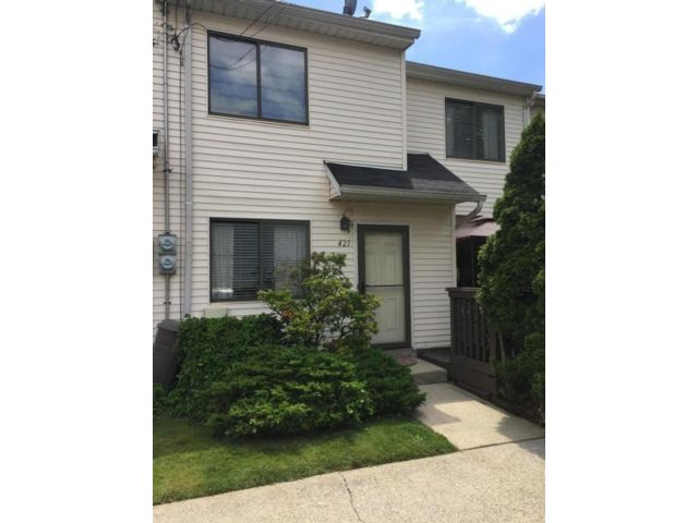 2 BR,  2.00 BTH Single family style home in Concord
