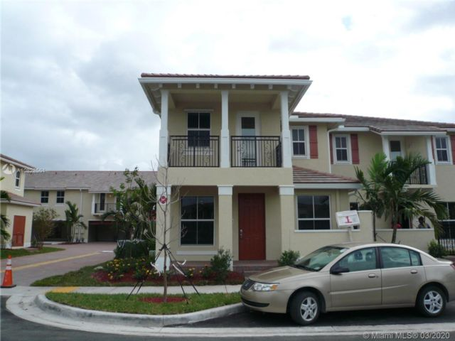 3 BR,  2.50 BTH Townhouse style home in Coconut Creek