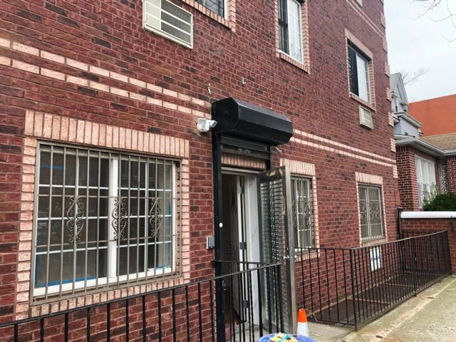 3 BR,  1.00 BTH  Rental style home in Brooklyn