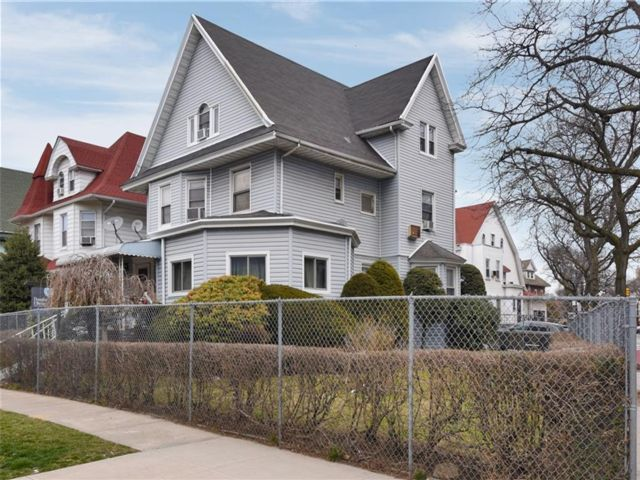 8 BR,  3.00 BTH  Single family style home in Flatbush