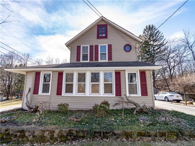 3 BR,  2.00 BTH  Two story style home in Otisville