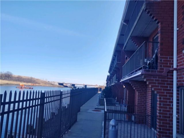 2 BR,  2.00 BTH Condominium style home in Canarsie