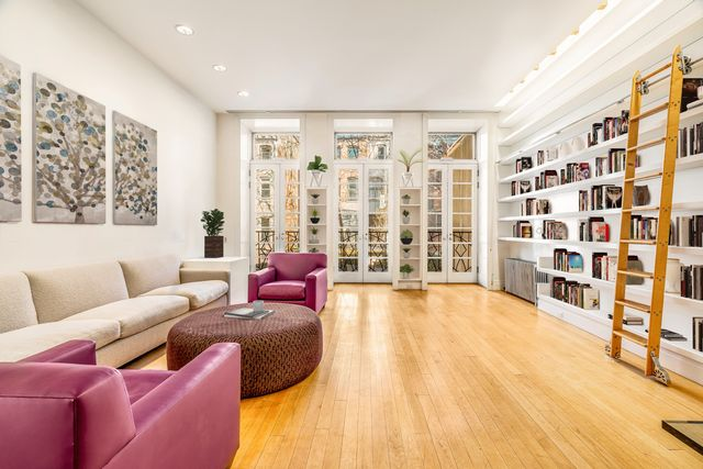 6 BR,  4.00 BTH  Townhouse style home in Upper West Side