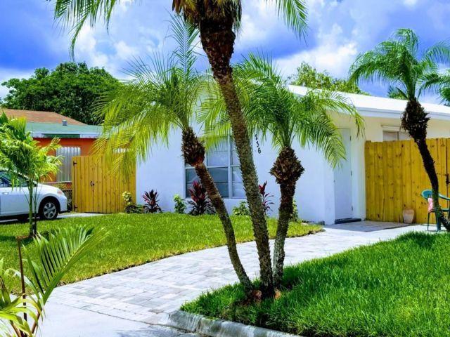 4 BR,  3.00 BTH  style home in Deerfield Beach