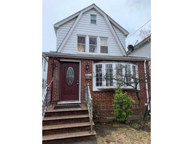 2 BR,  2.00 BTH Apartment style home in Bellerose
