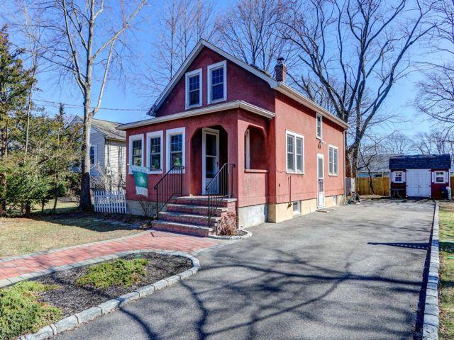 [West Babylon Real Estate, listing number 6950907]