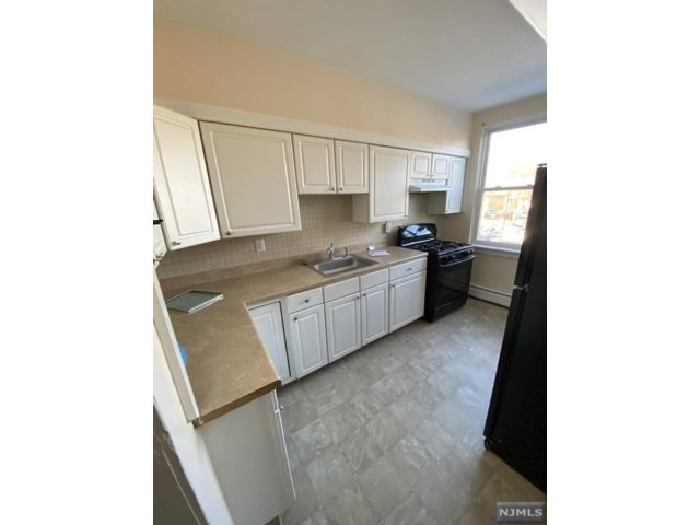 2 BR,  1.00 BTH Apartment style home in Hillsdale