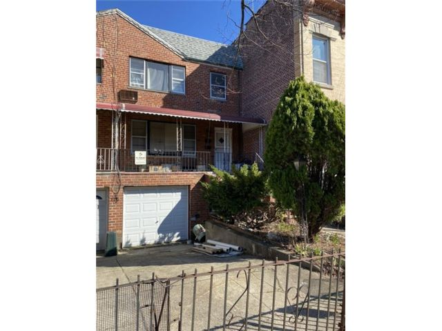 [Flatbush Real Estate, listing number 6950953]