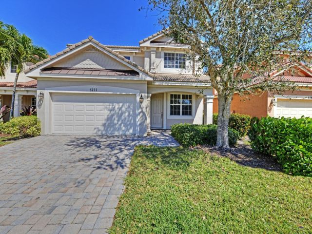 3 BR,  2.50 BTH  2 story style home in Hobe Sound