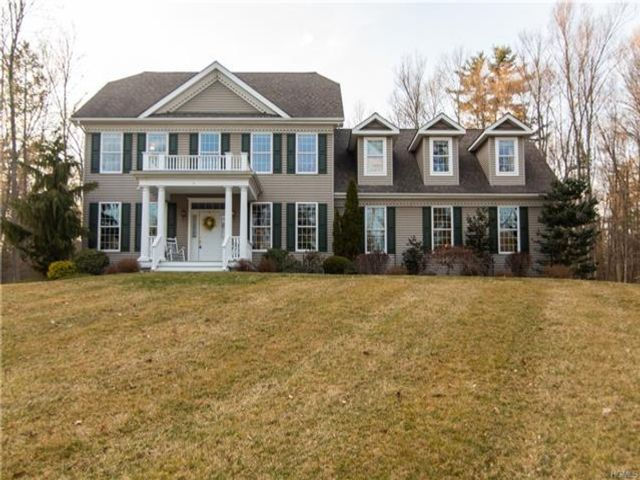4 BR,  2.50 BTH Colonial style home in Montgomery