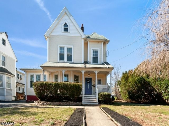 4 BR,  2.50 BTH  Victorian style home in Nutley