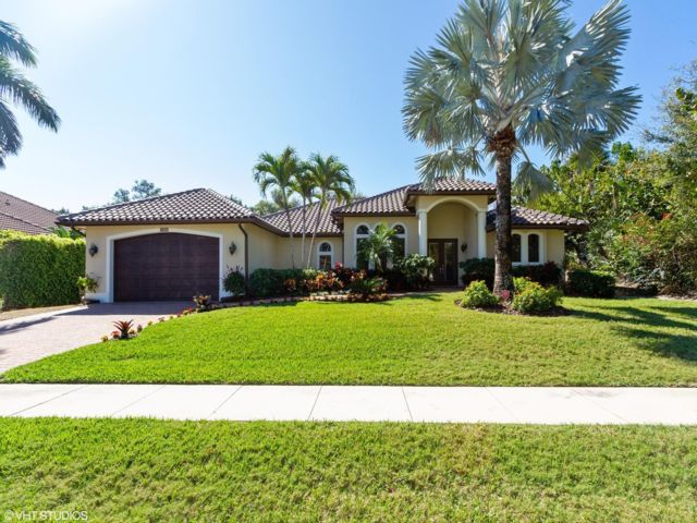 3 BR,  2.00 BTH   style home in Marco Island