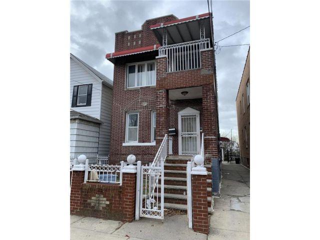 6 BR,  0.00 BTH Multi-family style home in Canarsie