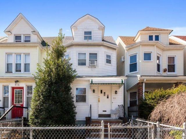 [Kensington Real Estate, listing number 6951176]