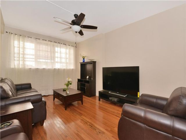 1 BR,  1.00 BTH Co-op style home in Ditmas Park