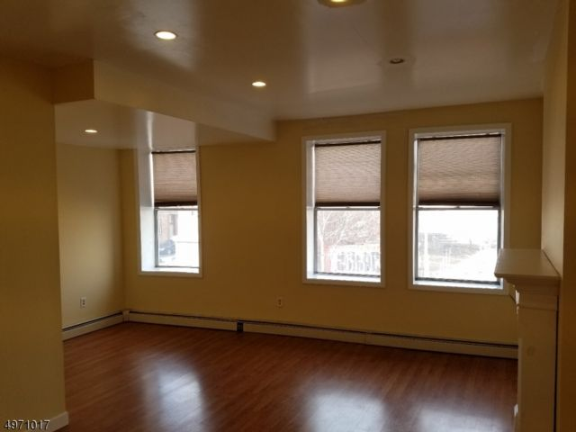 3 BR,  1.00 BTH One floor unit style home in Newark