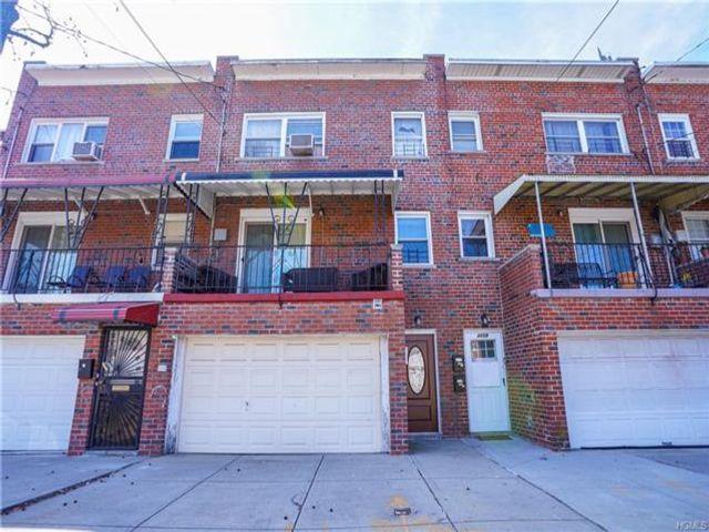 [Wakefield Real Estate, listing number 6951618]