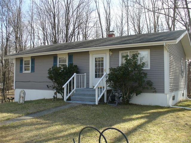 3 BR,  2.00 BTH  Farm house style home in Otisville