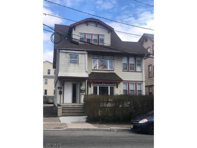 6 BR,  4.00 BTH Multi-family style home in Newark