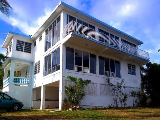 6 BR,  3.50 BTH   style home in Vieques