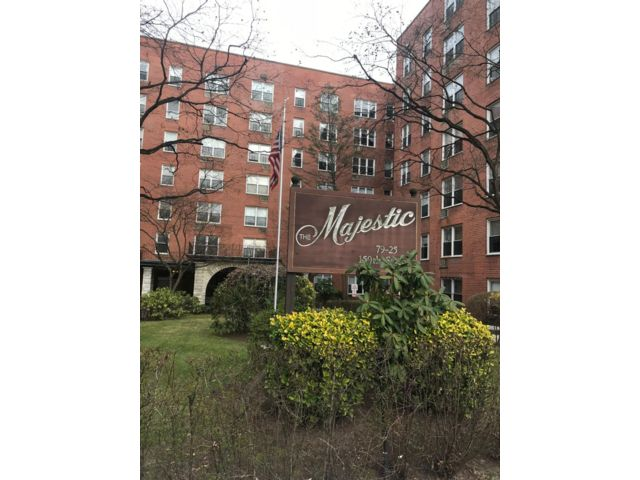 2 BR,  2.00 BTH Apartment style home in Flushing
