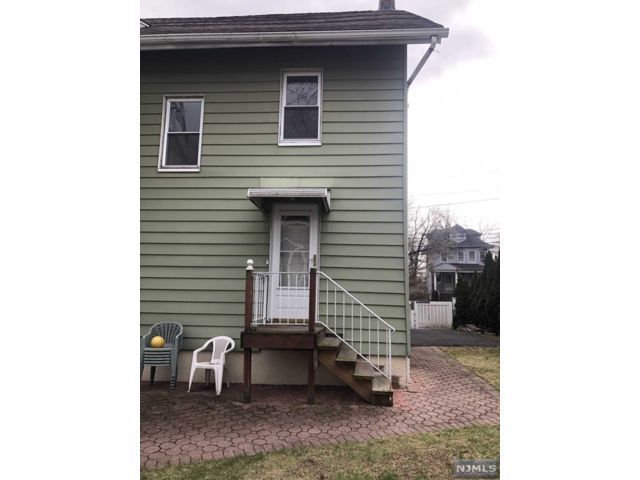 3 BR,  1.00 BTH 2 family style home in Rutherford