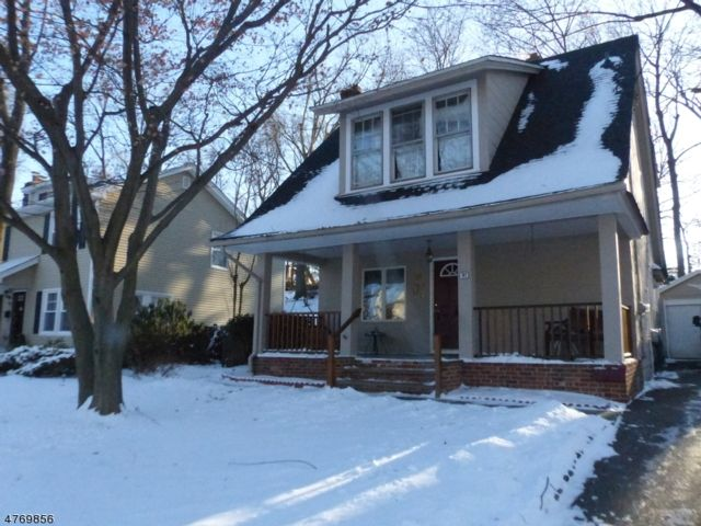 3 BR,  2.00 BTH House style home in North Caldwell