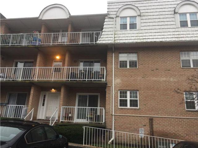 1 BR,  1.00 BTH Condominium style home in New Springville