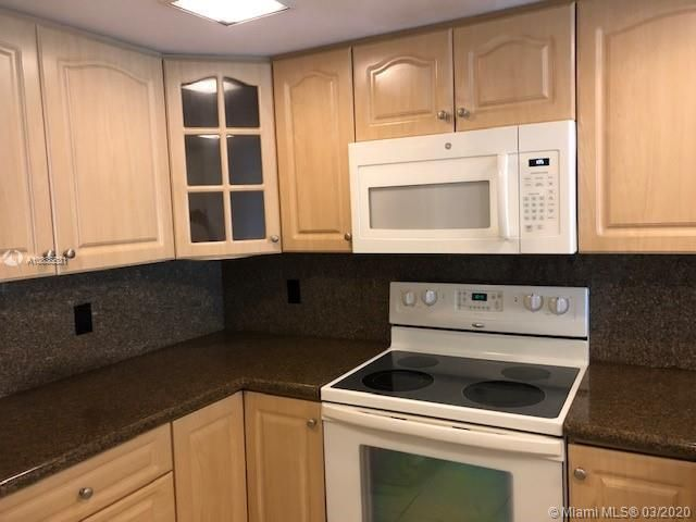 3 BR,  2.50 BTH Apartment style home in Davie