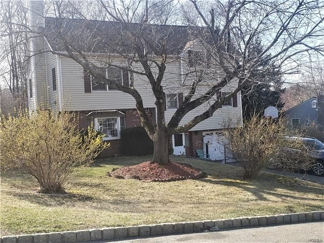 4 BR,  2.00 BTH  Split level style home in Monroe