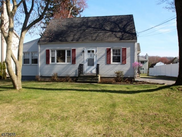 3 BR,  1.00 BTH  Cape cod style home in Fairfield