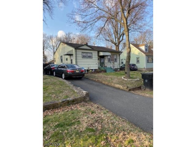 3 BR,  1.00 BTH  Ranch style home in Plainfield