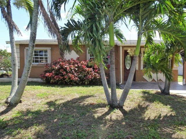 3 BR,  2.50 BTH  Ranch style home in Deerfield Beach