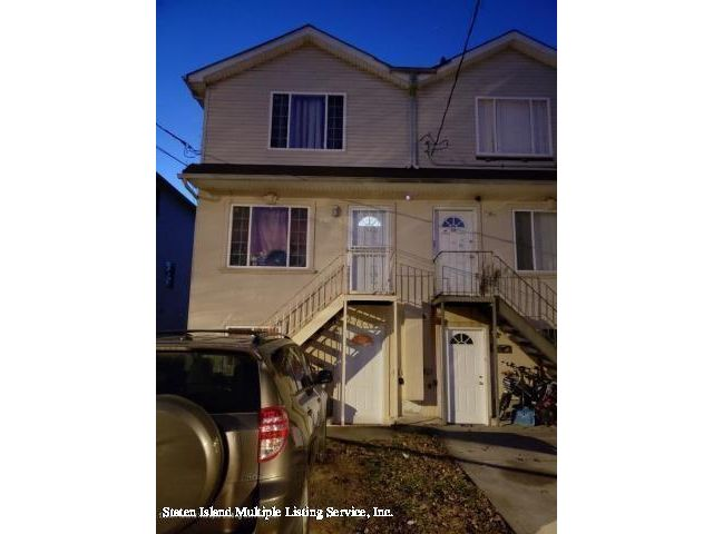 4 BR,  3.00 BTH  Multi-family style home in Port Richmond