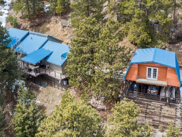 3 BR,  3.00 BTH  Ranch style home in Evergreen