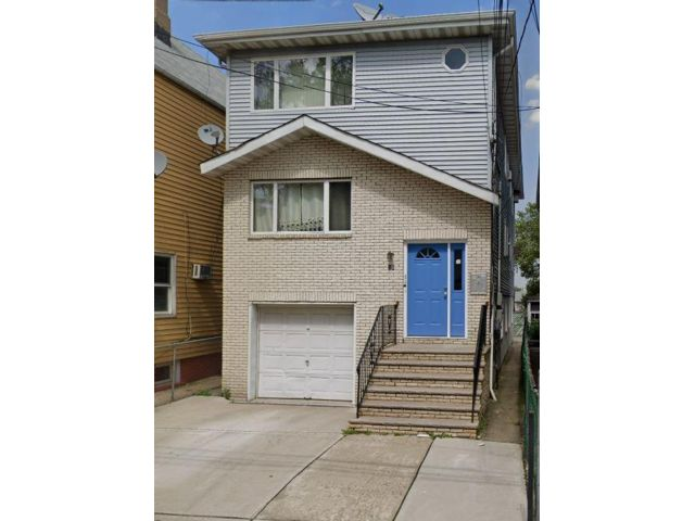 3 BR,  1.00 BTH Apartment style home in East Newark