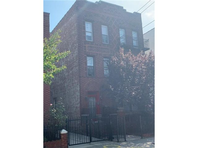 Studio,  0.00 BTH  Multi-family style home in East Flatbush