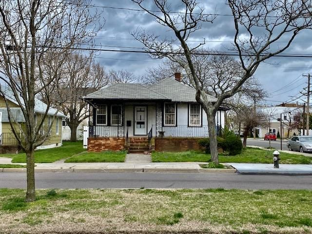 2 BR,  1.00 BTH  style home in Neponsit