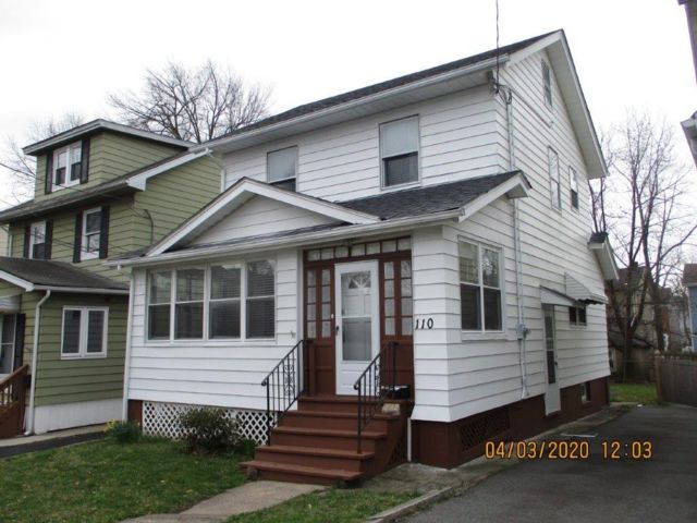 3 BR,  1.00 BTH  Colonial style home in Maplewood