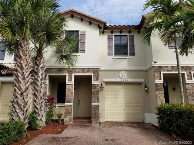 3 BR,  3.00 BTH Townhouse style home in Coconut Creek