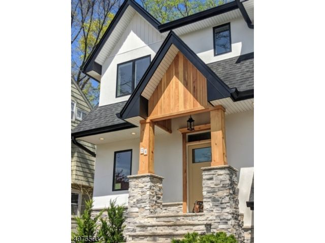 4 BR,  3.00 BTH  Custom home style home in Montclair