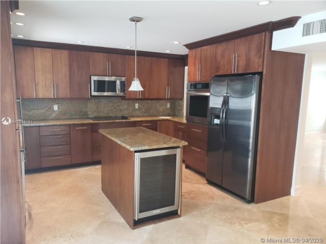 3 BR,  2.50 BTH Townhouse style home in Coral Springs