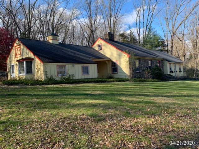 4 BR,  3.00 BTH  Ranch style home in Boonton