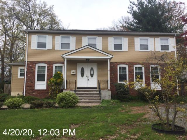 4 BR,  2.50 BTH  Colonial style home in Cranford
